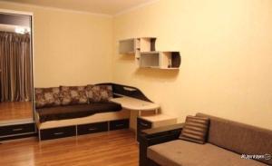 Apartment Raduzhnaya 6/1