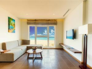 Centara Sandy Beach Resort Danang, Курортные отели  Дананг - big - 15