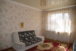 ZhK Aisanam, Appartamenti  Taldykol' - big - 9