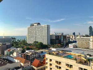 Apartemen Semi Tingkat - Pemandangan Base Central Pattaya by Alex