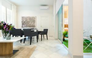 Genteel Home Galera, Apartmanok  Sevilla - big - 8