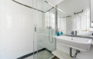 Genteel Home Galera, Apartmanok  Sevilla - big - 25