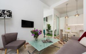 Genteel Home Galera, Apartmanok  Sevilla - big - 18