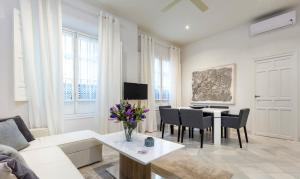 Genteel Home Galera, Apartmanok  Sevilla - big - 28