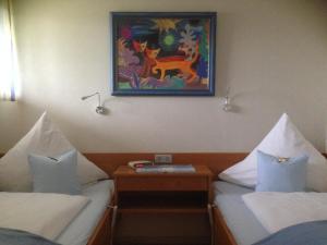 Landhaus Vogelweide - 2 Zimmer mit Balkon, Ferienwohnungen  Bad Füssing - big - 2