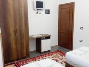 Guesthouse Villa Juri, Guest houses  Berat - big - 24