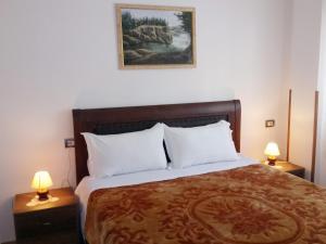 Guesthouse Villa Juri, Guest houses  Berat - big - 6