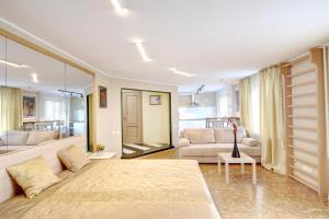 Apartments on Tihoretskiy Prospekt, Ferienwohnungen  Sankt Petersburg - big - 1