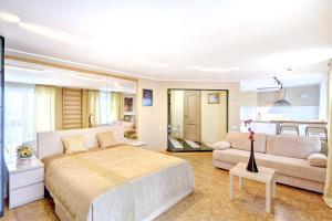 Apartments on Tihoretskiy Prospekt, Ferienwohnungen  Sankt Petersburg - big - 3