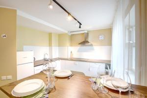 Apartments on Tihoretskiy Prospekt, Ferienwohnungen  Sankt Petersburg - big - 4