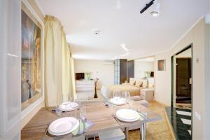 Apartments on Tihoretskiy Prospekt, Ferienwohnungen  Sankt Petersburg - big - 6