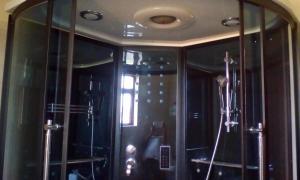 Pam Breeze Apartments