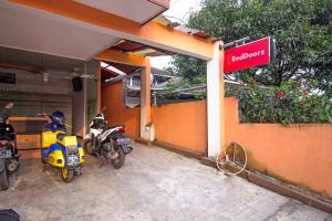 RedDoorz near Exit Tol Pasteur, Pensionen  Bandung - big - 20