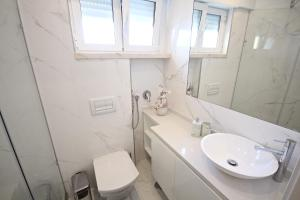 Akicity Marques Star III, Apartmanok  Lisszabon - big - 10
