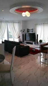 Maple Leafs Penthouse, Apartmány  Angeles - big - 6
