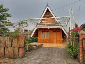 Vila Saung Ineh