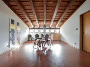 Villa Classica XL, Villas  Trieste - big - 1