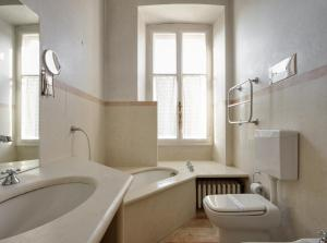 Villa Classica XL, Villas  Trieste - big - 15