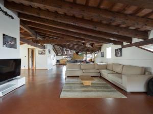 Villa Classica XL, Villas  Trieste - big - 10