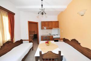 Kelenis Apartments(Karterados)