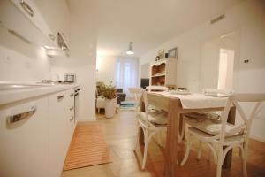 Roma Xl, Apartments  Trieste - big - 13