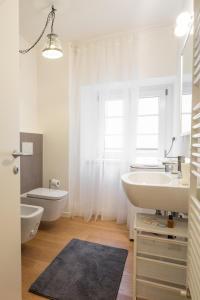 Roma Xl, Apartments  Trieste - big - 11