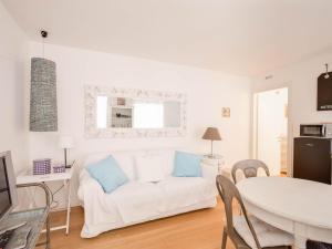 Roma Xl, Apartments  Trieste - big - 9