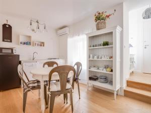 Roma Xl, Apartments  Trieste - big - 6