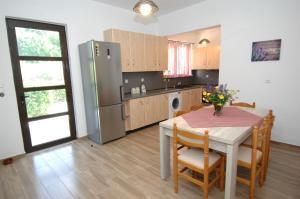 Salakos Home, Holiday homes  Sálakos - big - 43