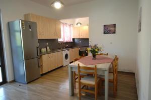 Salakos Home, Holiday homes  Sálakos - big - 45