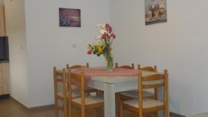 Salakos Home, Holiday homes  Sálakos - big - 48