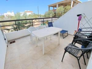 Varosia Gardens 3, Holiday homes  Paralimni - big - 5