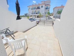 Varosia Gardens 3, Holiday homes  Paralimni - big - 10