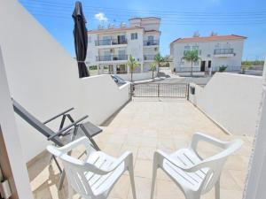 Varosia Gardens 3, Holiday homes  Paralimni - big - 15