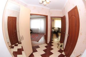 Apartment Valihanova street 1., Apartments  Astana - big - 2