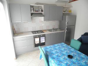 Apartment Stella Alpina, Apartments  Lovrečica - big - 1