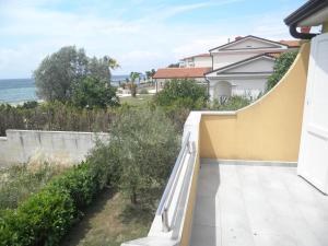 Apartment Stella Alpina, Apartments  Lovrečica - big - 13
