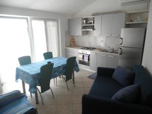 Apartment Stella Alpina, Apartmanok  Lovrečica - big - 10