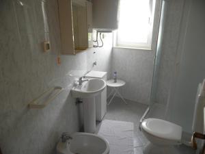 Apartment Stella Alpina, Apartmanok  Lovrečica - big - 8
