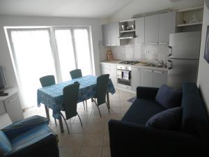 Apartment Stella Alpina, Apartmanok  Lovrečica - big - 6