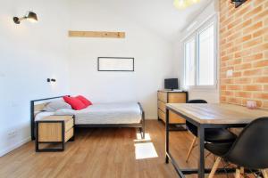 Les Gîtes d'Emilie, Апартаменты  Melesse - big - 29