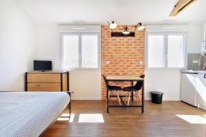 Les Gîtes d'Emilie, Апартаменты  Melesse - big - 28