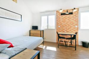 Les Gîtes d'Emilie, Apartmány  Melesse - big - 27