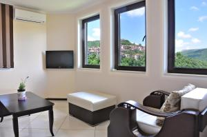 St George Apartment, Apartments  Veliko Tŭrnovo - big - 9