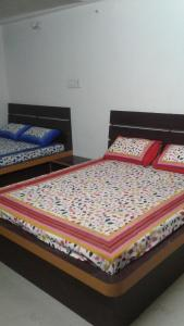 Saxena Guest House