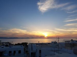 obrázek - Island Flavor - Magical Sunset View