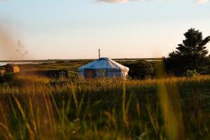 Traustholtshólmi - Yurt on a Private Island