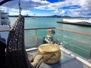 Princes Wharf 1BR Sub-Penthouse with Panoramic City and Ocean Views