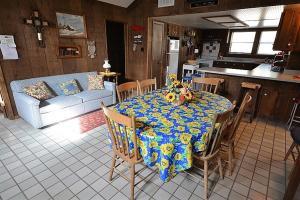 La Grange Cabin - Two Bedroom, Дома для отпуска  Руидозо - big - 8