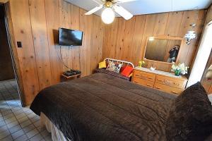 La Grange Cabin - Two Bedroom, Дома для отпуска  Руидозо - big - 5